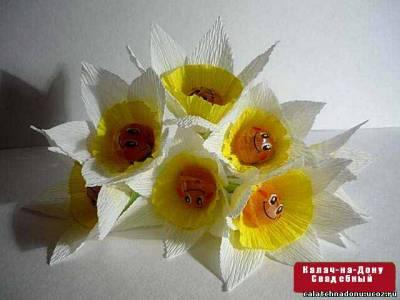 Нарцисс для букета из конфет