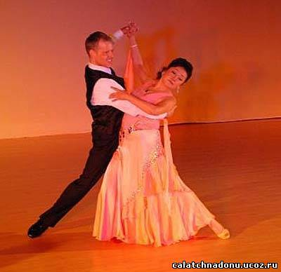 Красивый танец – танго-вальс